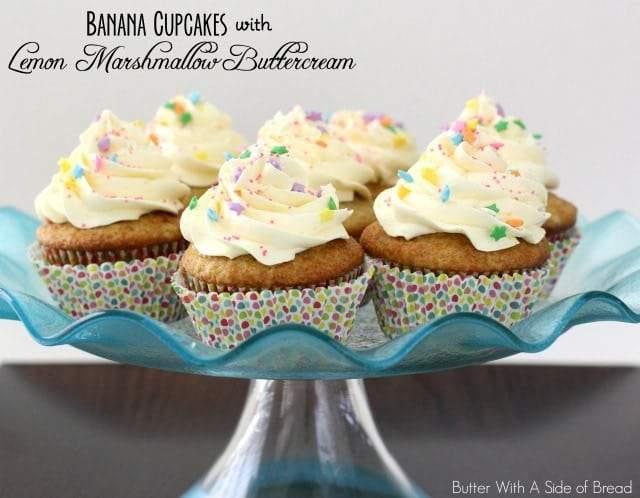 Cupcakes de plátano con crema de limón y malvavisco