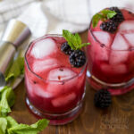 cóctel de limonada blackberry bourbon