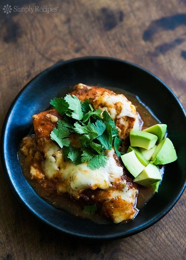 """Pollo al horno con salsa de chipotle """"data-pin-description ="""" Pollo al horno con salsa de chipotle ~ Pechugas de pollo o muslos, cubiertos con salsa de chipotle, cubiertos con queso Monterey jack y horneados. ~ SimplyRecipes.com #dinner #texmex # sin gluten #lowcarb """"data-pin -cipe ="""" 11730 """"srcset ="""" data: image / gif; base64, R0lGODlhAQABAAAAACH5BAEKAAEALAAAAAABAAEAAAICTAEAOw == """"tamaños ="""" wx = 100w (max-ancho): , 640px """"data-srcset ="""" https://cocinarrecetasdepostres.net/wp-content/uploads/2019/11/Pollo-Salsa-Chipotle-Al-Horno.jpg 640w, https: // www .simplyrecipes.com / wp-content / uploads / 2013/06 / chipotle-salsa-baked-chicken-vertical-a-640-215x300.jpg 215w, https://www.simplyrecipes.com/wp-content/uploads/ 2013/06 / chipotle-salsa-baked-chicken-vertical-a-640-347x484.jpg 347w, https://www.simplyrecipes.com/wp-content/uploads/2013/06/chipotle-salsa-baked-chicken -vertical-a-640-200x279.jpg 200w, https://www.simplyrecipes.com/wp-content/uploads/2013/06/chipotle-salsa-baked-chicken-vertical-a-640-600x836.jpg 600w """"data-size ="""" auto """"data-src ="""" https://cocinarrecetasdepostres.net/wp-content/uploads/2019/11/Pollo-Salsa-Chipotle-Al-Horno.jpg """"/ >                   <p>Crédito de fotografía: Elise Bauer </p><div class="""