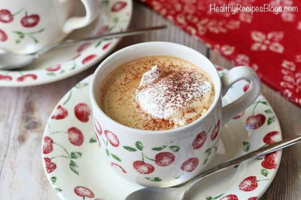 Receta de café keto con mantequilla, rica y cremosa