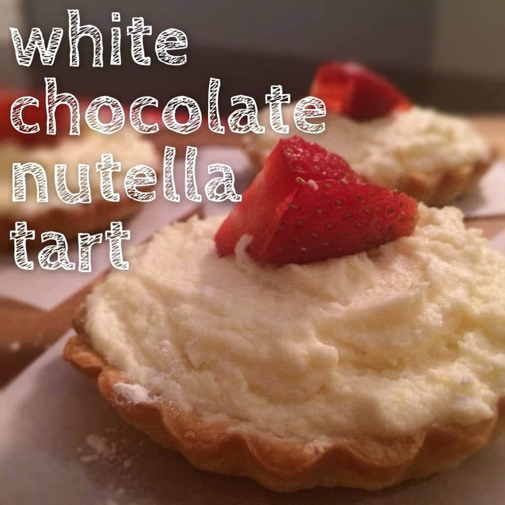 hermosas tartas hechas con ganache de chocolate blanco y una capa de nutella. SIGUE MI CORAZÓN.