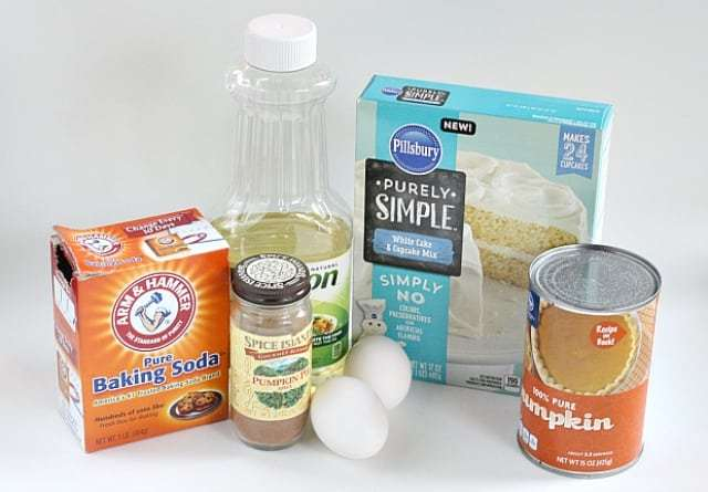 Ingredienti necessari per creare palline e spezie torta di zucca