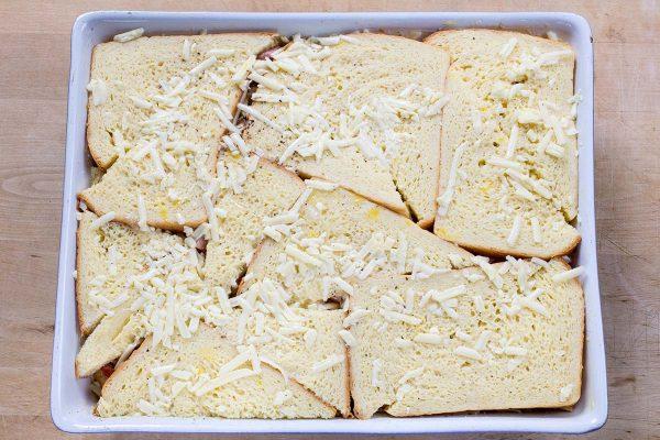 Cazuela de desayuno de jamón y queso