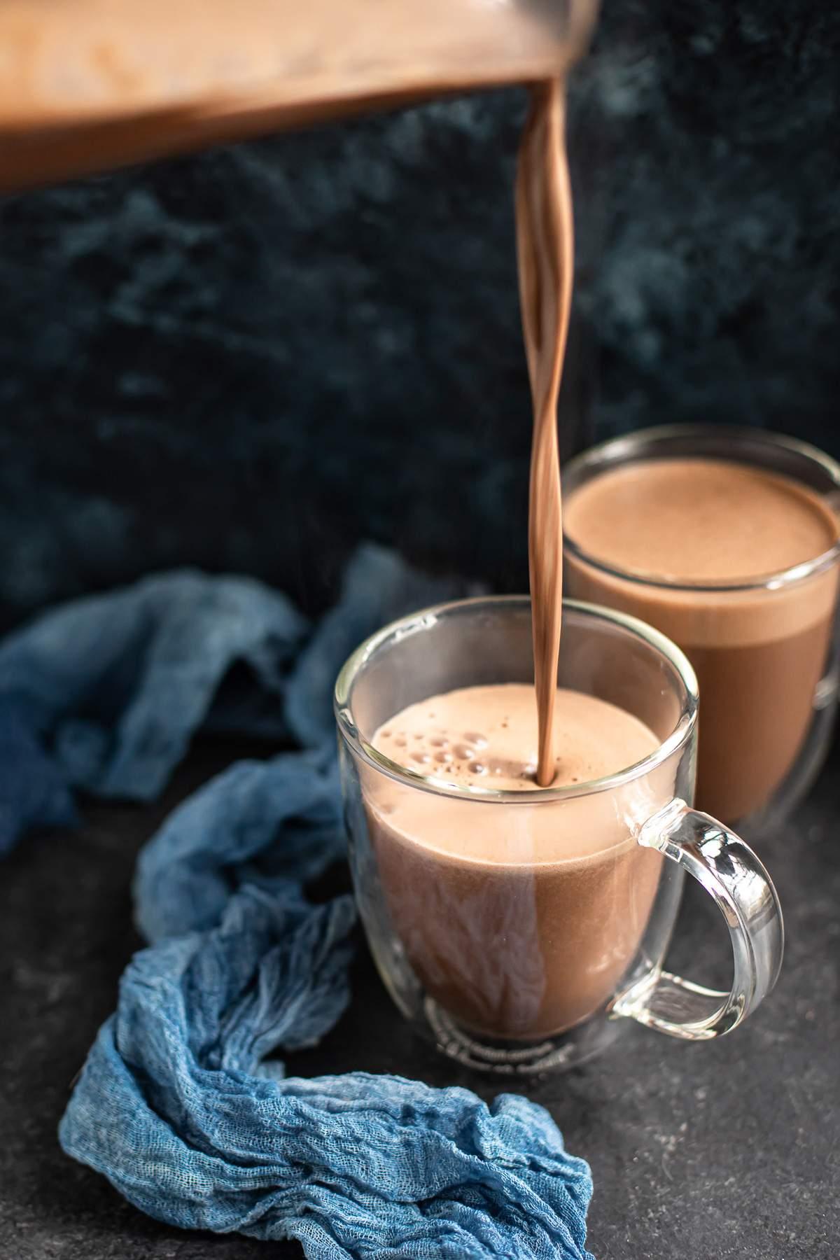 Anacardo Chocolate Caliente - Un Batidor Calculado