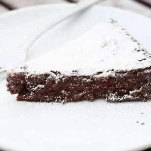 Pastel de chocolate sin harina {Receta sin gluten}
