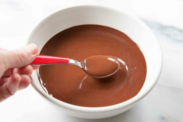 Glaseado de chocolate vegano - Derretir el chocolate