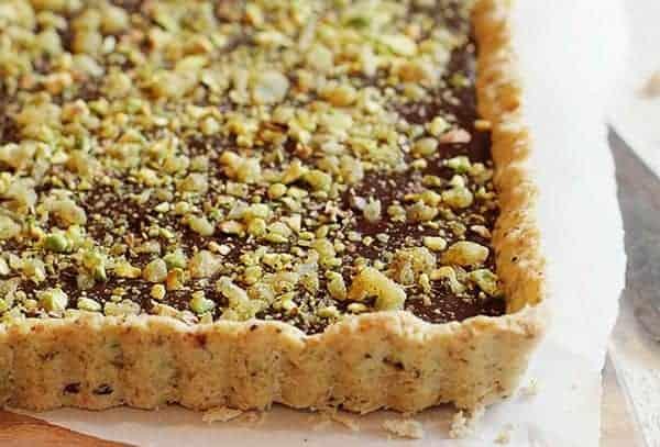 Tarta de chocolate, pistacho y jengibre