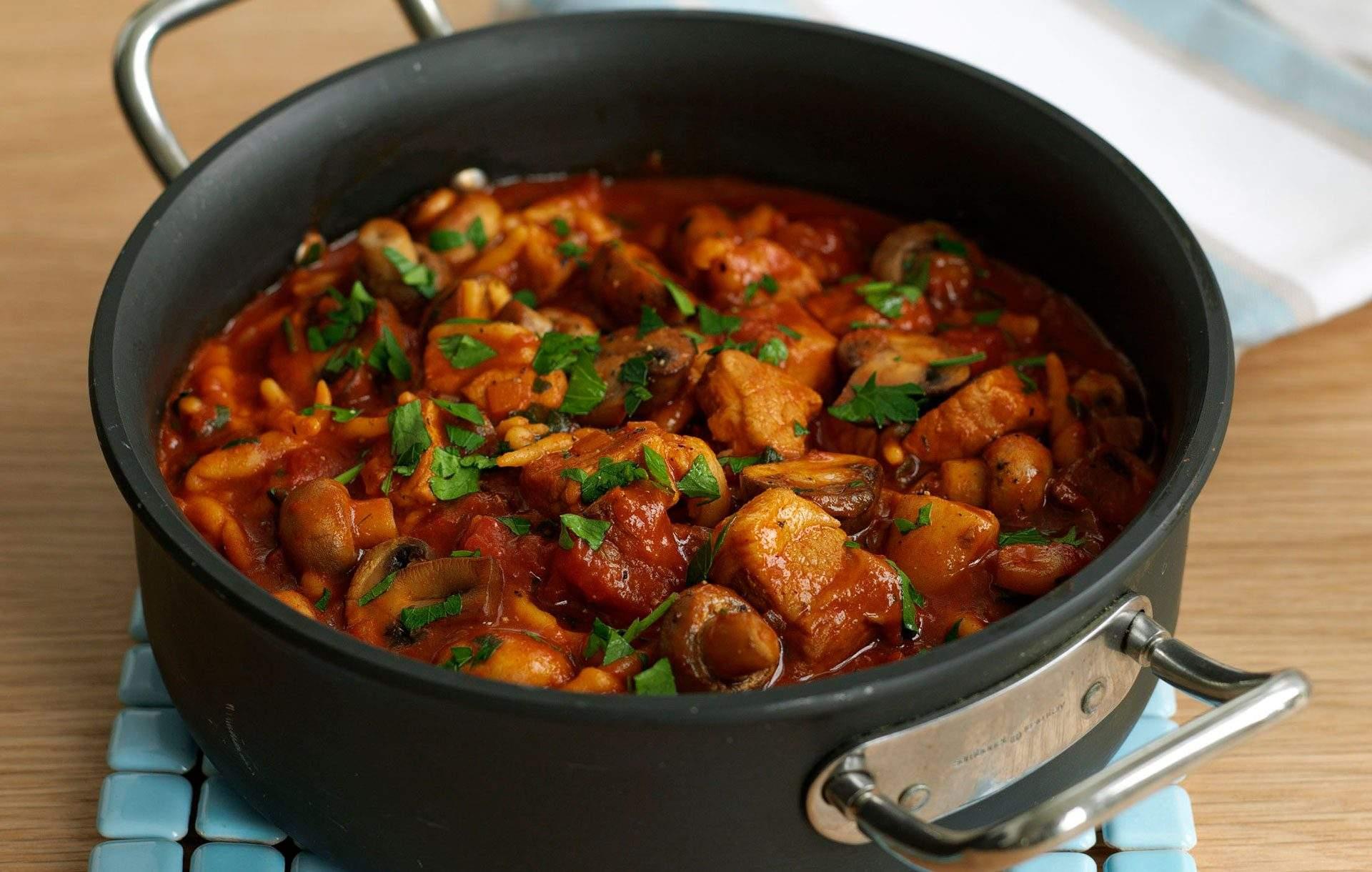 Estofado de cerdo y pimienta ¡Te encantará esta receta fácil de gulash de cerdo!