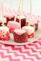 Pops fáciles de malvaviscos de San Valentín
