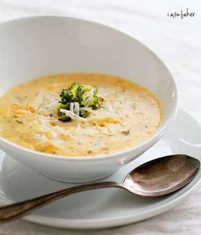 Sopa de queso y brócoli asado