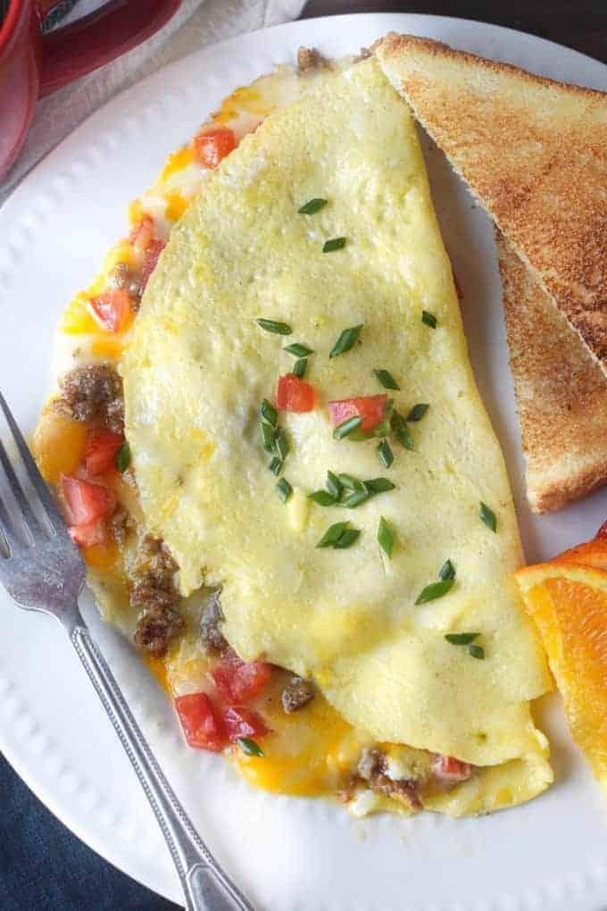 Tortilla De Queso Y Salchicha De Tomate
