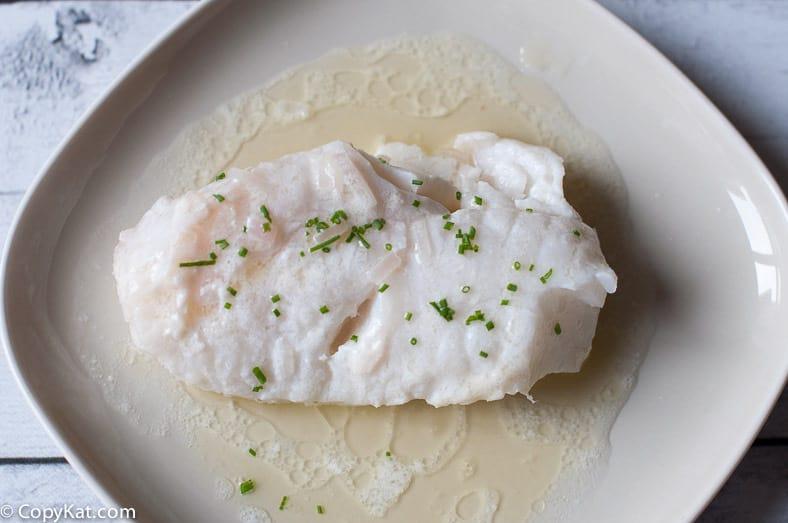 Pescado escalfado con mantequilla: una forma fácil y deliciosa de cocinar pescado