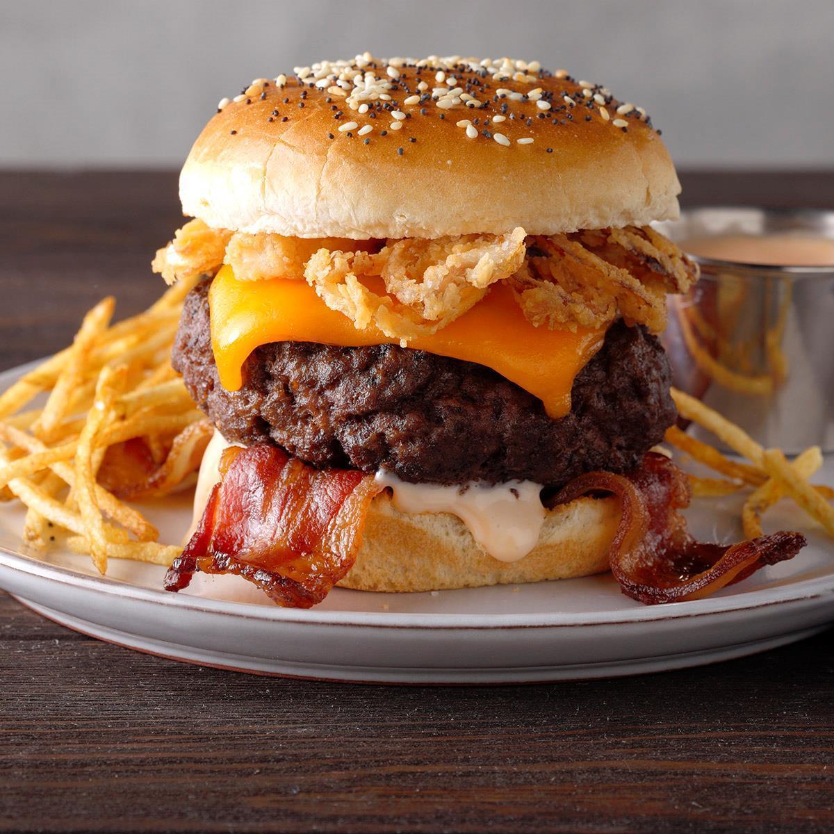Receta de hamburguesas con queso y tocino Air-Fryer | Sabor de casa