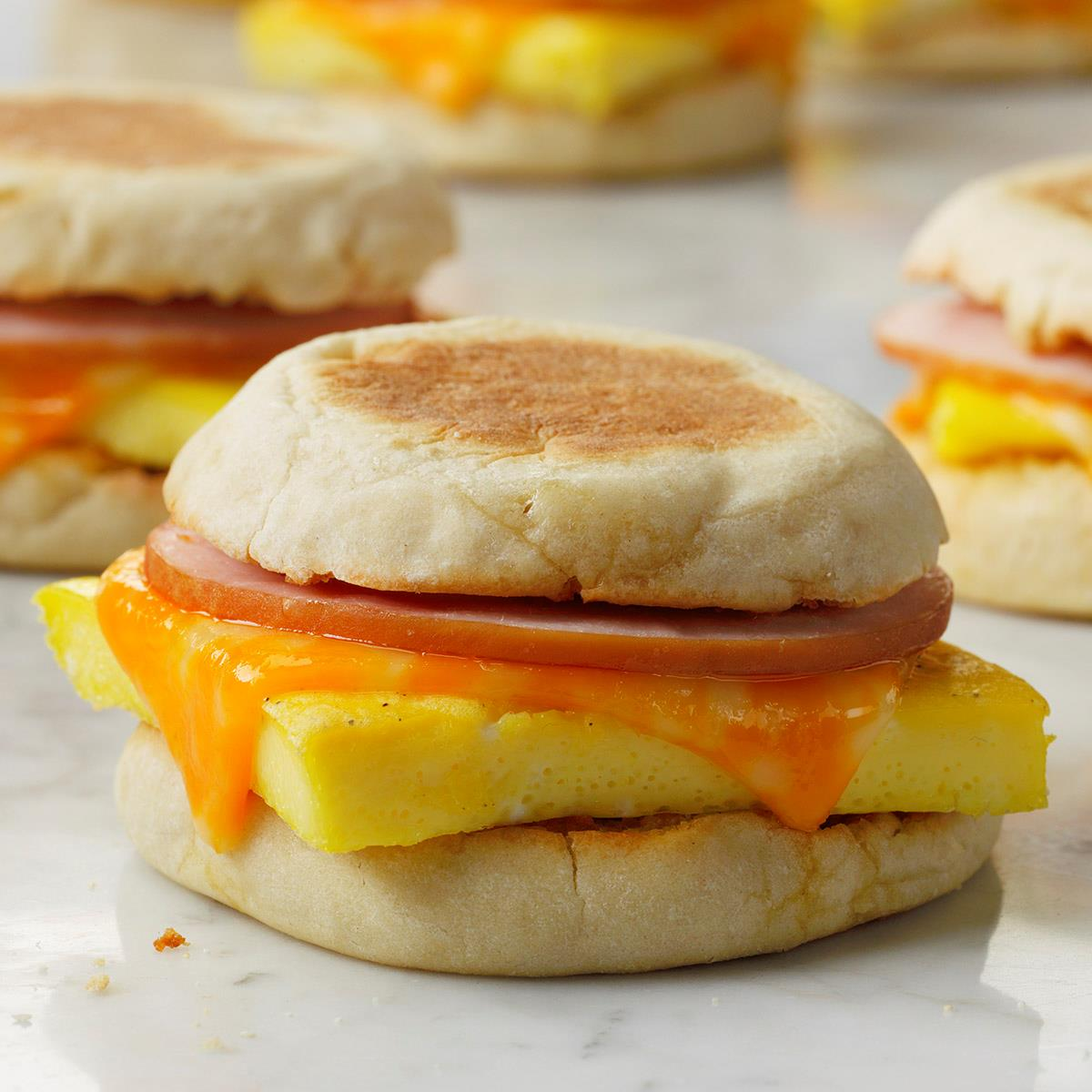 Receta de sándwiches de desayuno en el congelador | Sabor de casa