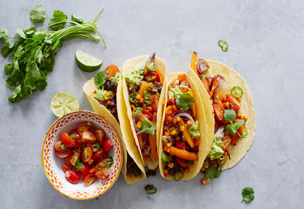 ¡TONTERÍAS! Los mejores tacos de verduras ¡Estos tacos son una verdadera fiesta para los ojos! La combinación de colores, texturas y sabores los convierte en un regalo para el almuerzo o perfecto para la cena.