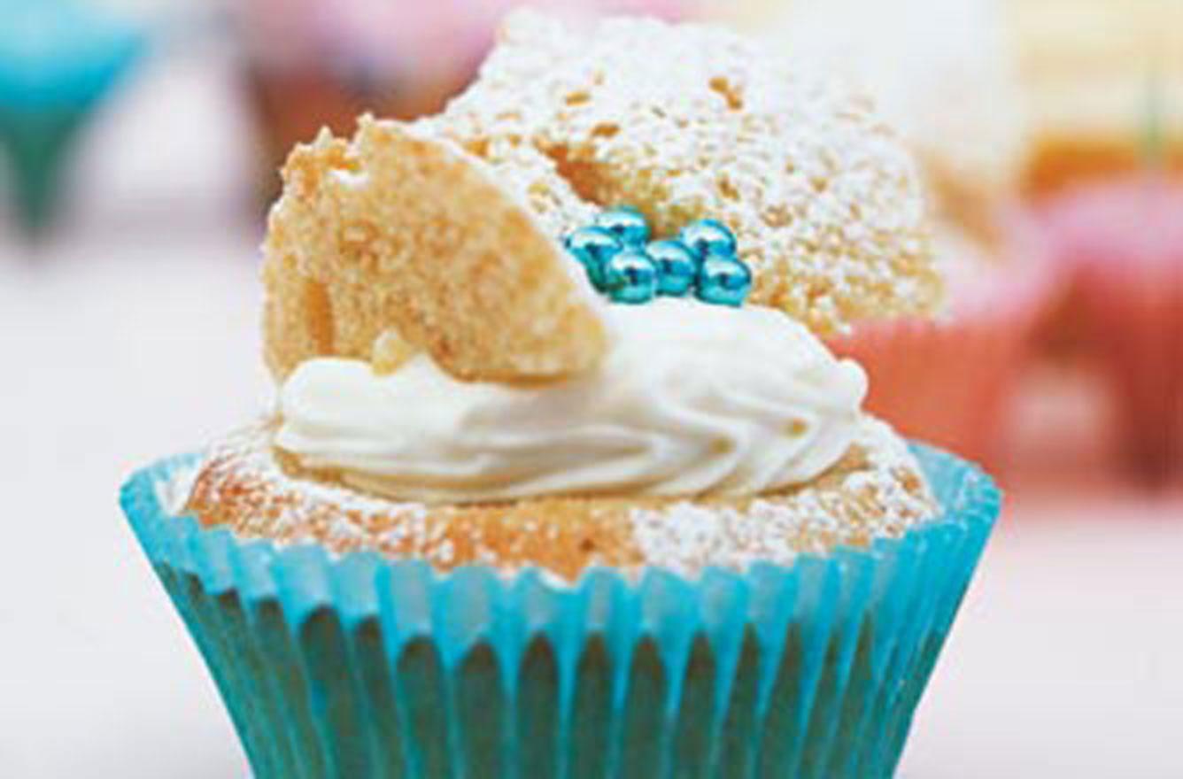Los pasteles de hadas de Rachel Allen Los pasteles de hadas de Rachel Allen, también conocidos como bollos de mariposa, son perfectos para una fiesta de cumpleaños o simplemente para un regalo especial. Tenemos más recetas de pasteles para probar