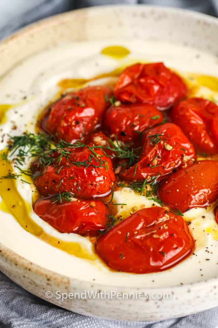 Feta batida con tomates asados