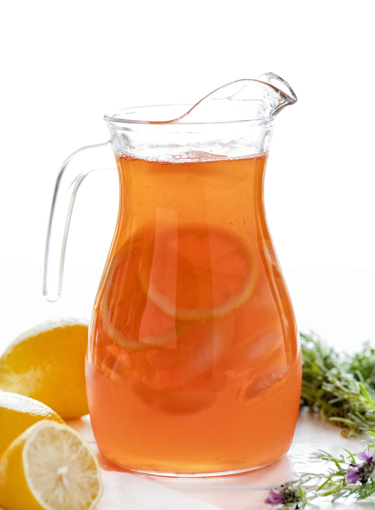 Limonada de fresa y lavanda