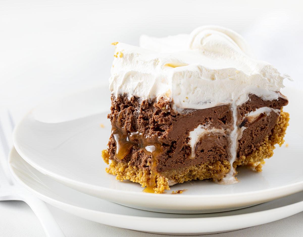 Pastel de queso con chocolate y caramelo {sin hornear}